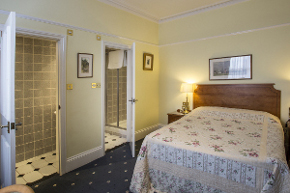 Double bedroom at 9 Green Lane bed and breakfast Buxton