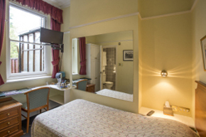 Single bedroom at 9 Green Lane B&B accommodation Buxton